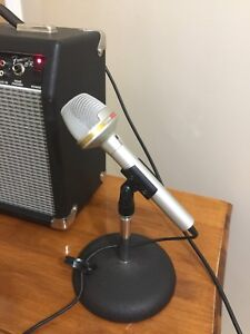 Realistic Microphone