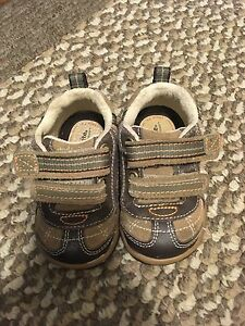 Stride Rite size 4 toddler shoes