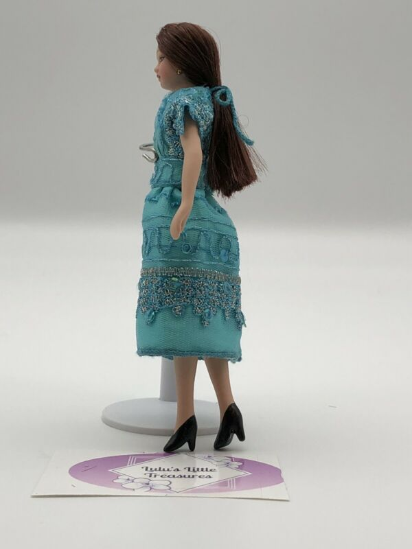Miniature Porcelain Dolls  1:12