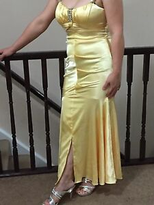 Beautiful evening party dress size 6