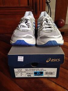 Asics Size 7 Women's Gel Foundation Joggers Warners Bay Lake Macquarie Area Preview