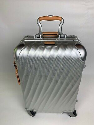 New TUMI-  19 DEGREE ALUMINUM- INT'L CARRY-ON, SILVER/ ORIGINAL MSRP $995