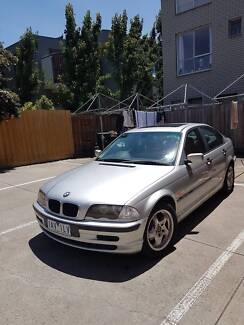 BMW 318 Mod. 1999 Perfect condition. $4000 ONO. Only Lady driver.