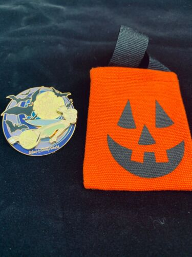 Disney Pin Tinkerbell Trick or Treat Happy Halloween 2005 LE 1500 w/Pumpkin Bag