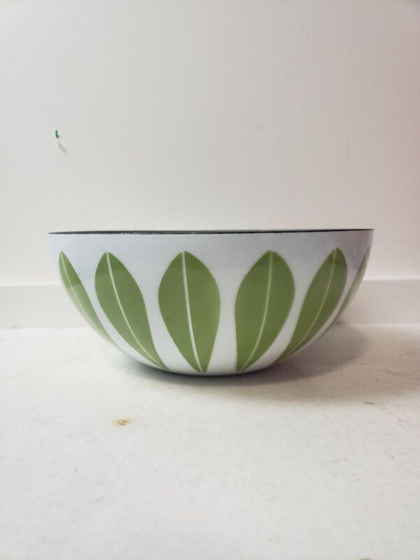 "VTG CatherineHolm Norway 9.5"" Enamel White With Avacado Green Petals Lotus Bowl"