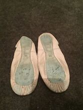 Ballet shoes size 2A Glenmore Park Penrith Area Preview