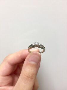 10 karat white gold diamond ring Size 5 1/2