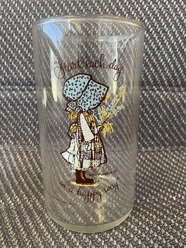 "1972 HOLLY HOBBIE DRINKING GLASS ""START EACH DAY IN A HAPPY WAY"" LARGE VASE"