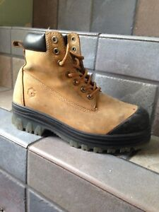 Women's work boots wanted