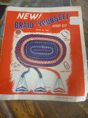 Vintage 1967 Nu Flex BRAID IT YOURSELF Hobby Kit 10 Piece Set Rug s/Hand Bags