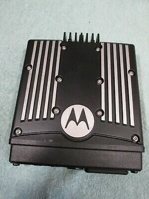 Nice Motorola Xtl2500 Mobile Radio 700800 Mhz - Trunk Rear Section Xtl-2500