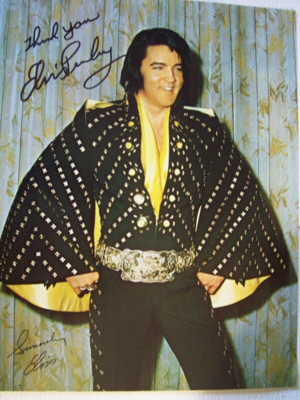 ELVIS PRESLEY STUNNING SIGNED AUTOGRAPH PHOTO 8 X 10 MINT CONDITION
