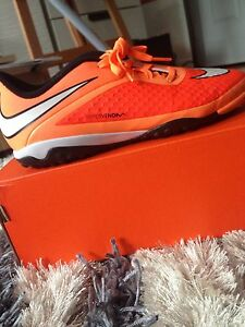 Nike Hypervenom Phelon TF - Boys Indoor Soccer shoe - Size 5.5