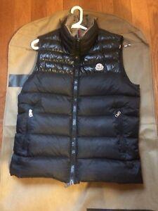 Moncler Dupres Vest - Black sz 2 (M) men