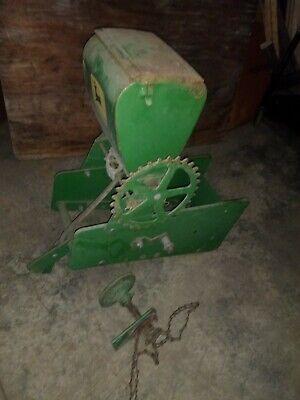 John Deere 71 Planter Fertilizerinsecticide Box And Drive