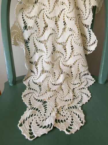 Antique Vintage Extra Long Crocheted Doily Runner Pin Wheel Swirl Design Cream