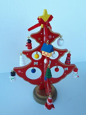 Albero di natale in legno da scrivania e da viaggio con decorazione natalizia