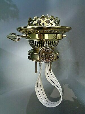 A VERY GOOD QUALITY HINKS & SON No 2 LEVER RISE & FALL OIL LAMP BURNER. (1)