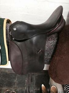 Kieffer Munchen dressage saddle St Andrews Nillumbik Area Preview