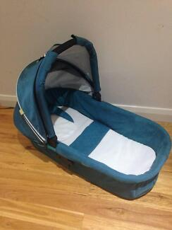 Steelcraft strider bassinet in kingfisher - excellent condition Panania Bankstown Area Preview