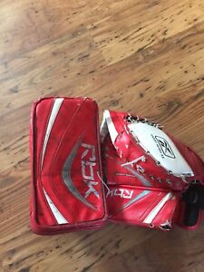 Goalie Rbk blocker and glove