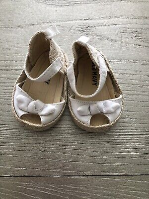 Old Navy White Baby Girl Sandals Size 0-3 Months
