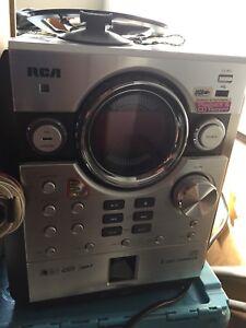 RCA CD/MP3/Radio 5 disc changer audio shelf system