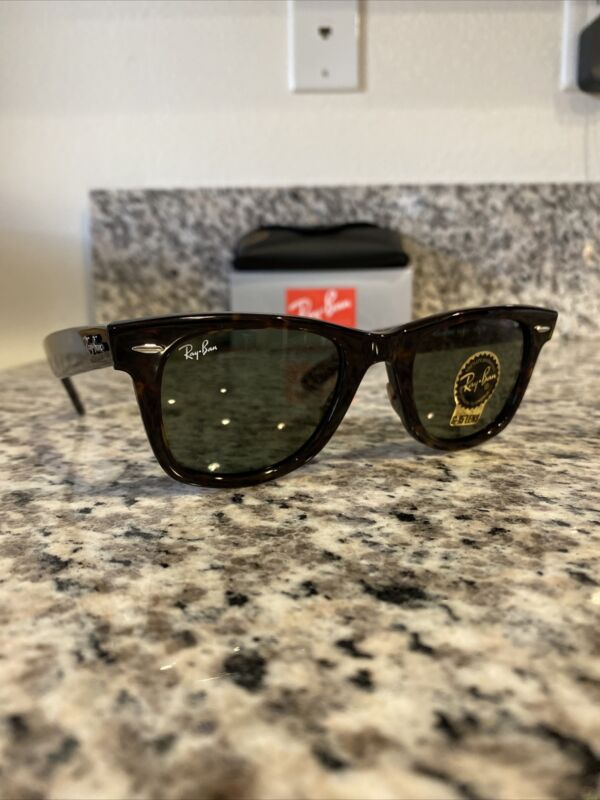 Ray Ban 2140 Classic Wayfarer 902  Tortoise Shell/G15 Green 50mm New Authentic