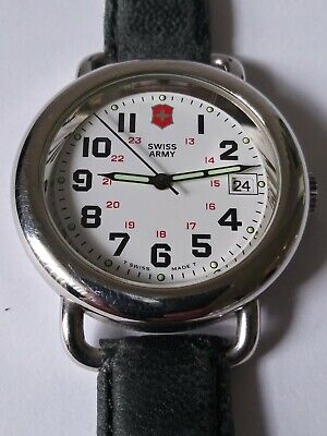 Vintage Victorinox Swiss Army stainless steel mens watch with date New Battery