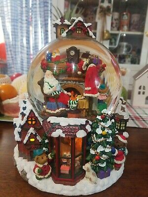 Kirkland Santa Claus Christmas Village Rotating Musical Light Up Water Globe