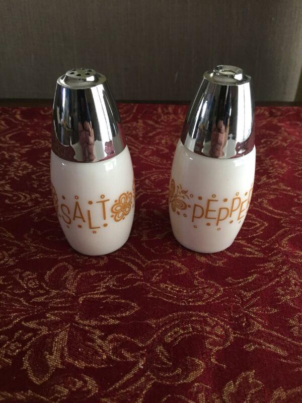 VTG Corelle Corning Ware 70s Butterfly Gold Glass Salt and Pepper Shakers