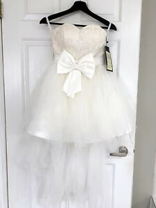 Brand new bow wedding dress for sale