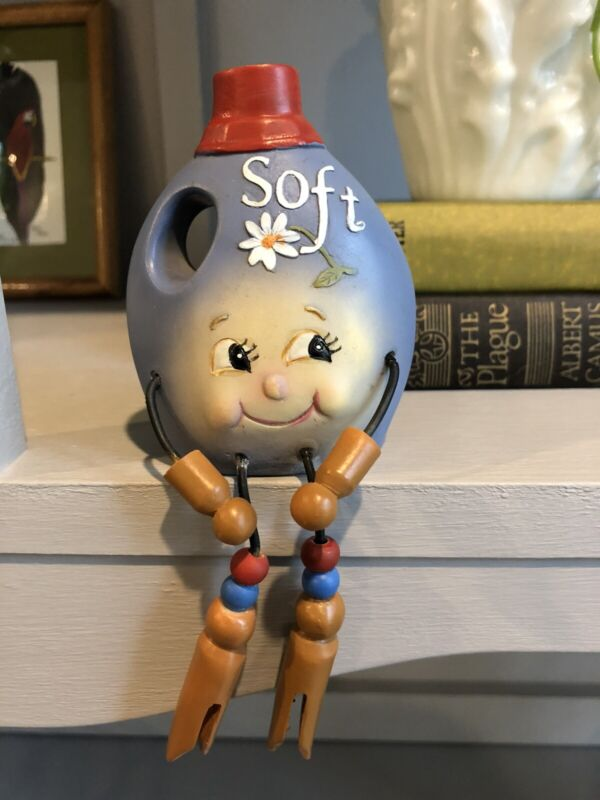 WMG Anthropomorphic Shelf Sitter Laundry Detergent Softener Bottle Figurine