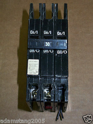 Cutler Hammer Qcf Qcr 2 Pole 30 Amp 240V Qcr3030hts Shunt Trip Circuit Breaker