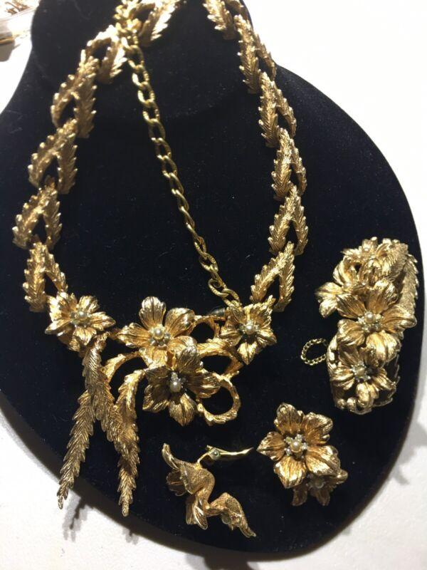 Vtg  3piece Set Brushed Gold Tone Signed  6101 Necklace, Earrings ,Bracelet