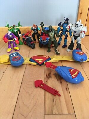 Super Hero And Villain (Mixed Lot Of Super Hero's And Villain's  Action Figures, Belt &)