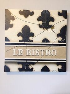 Adorable canvas dining decor