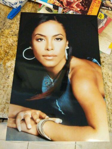 Aaliyah Beautiful Close Up 8X10 Color Glossy Photo