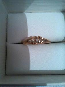 9ct gold ring with diamond Devonport Devonport Area Preview
