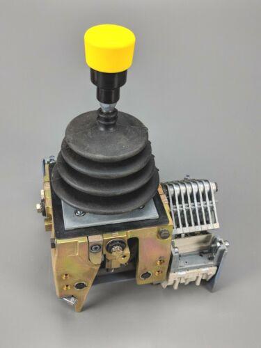 SCHNEIDER ELECTRIC XKMA XKMA142550550 HEAVY HOISTING CONTROLLER, NEW