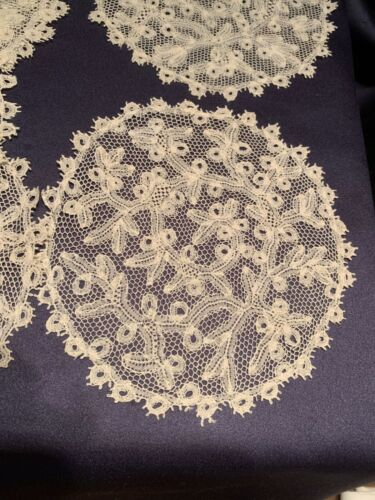 Lovely Set of 6 Antique Off White Handmade Bobbin Lace Cocktail Rounds Napkins