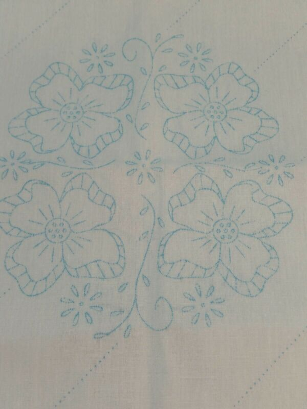 6 Stamped Flowered Quilt Blocks. 18 X 18 . Crafts Sewing Free Shipping
