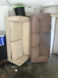 2 couches for free