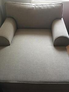 Day bed / armchair Rosemeadow Campbelltown Area Preview