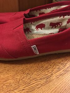 Red Toms Size 8