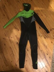 Large 4mm Hooded Wetsuit