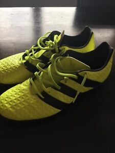 Indoor Soccer Shoes - Used Twice  Men's 12