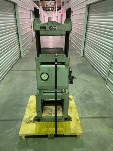 Carver Laboratory Lab 4 Post Industrial Manual Hydraulic Press Model 2629
