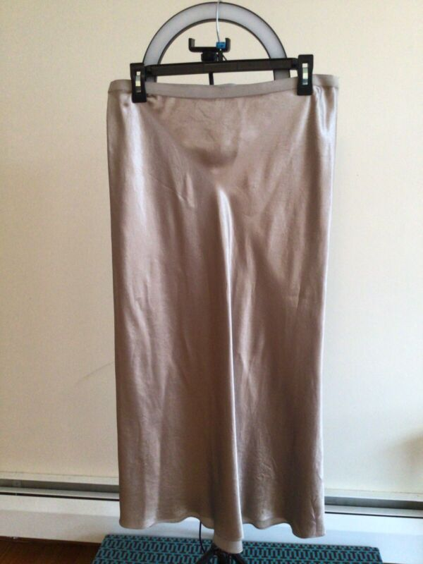 $245 Vince Solid Pull-On Satin Skirt size M Champagne