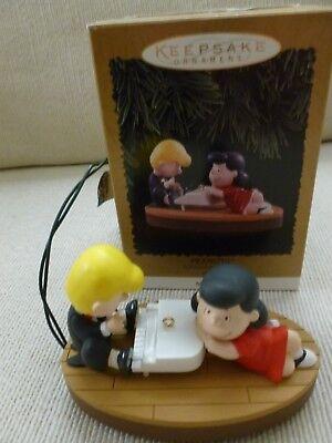 "Hallmark 1996 PEANUTS ""Schroeder and Lucy"" Magic Music Ornament"